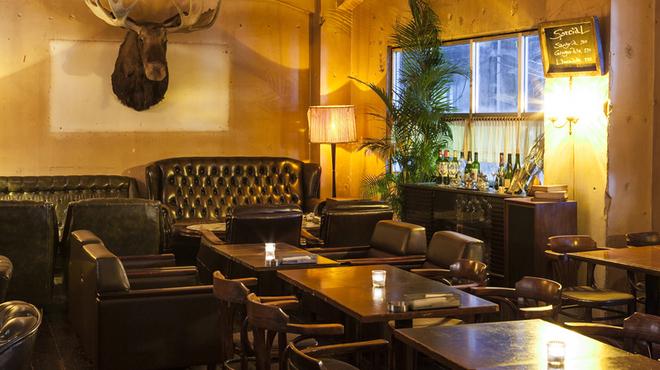 東京でのカフェでの出会いはトウキョウサロナーデカフェ ダブ