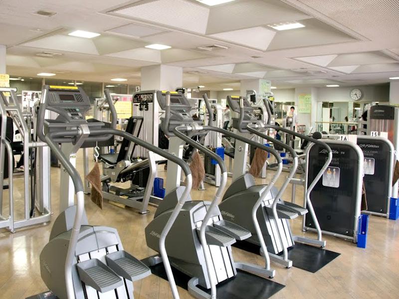 中央区総合スポーツセンターのトレーニングジム