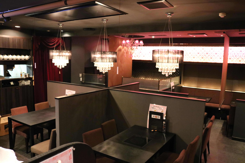 東京での出会いなら新宿の相席バー