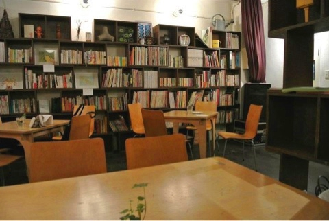 大阪で出会いを探すならカフェで